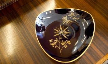 Vintage German plate Echt-Weimar-kobalt Weimar pattern Hawai. Made in GDR (Germany).