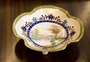 Hand painted bowl. Gold details. Made in Japan/Nippon