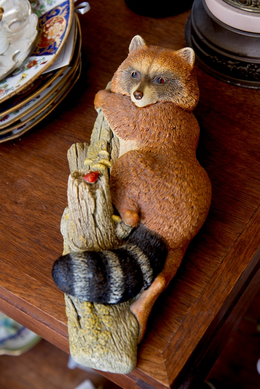 $75. Rare vintage Bossons handpainted chalkware raccoon wall ornament. Congleton, England. 1960s.
