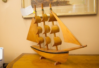 $125 Vintage wooden ship with bentwood sales.